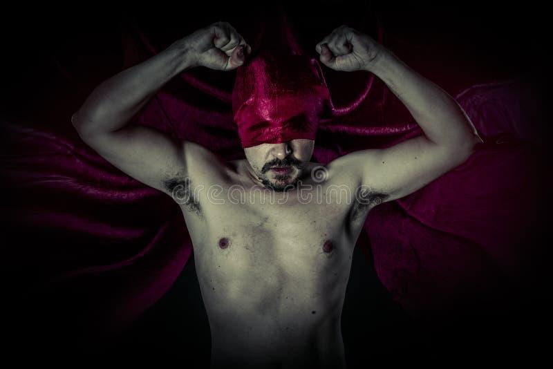 Mort, carnaval, Halloween, sang, vampire effrayant et masculin avec énorme photos stock