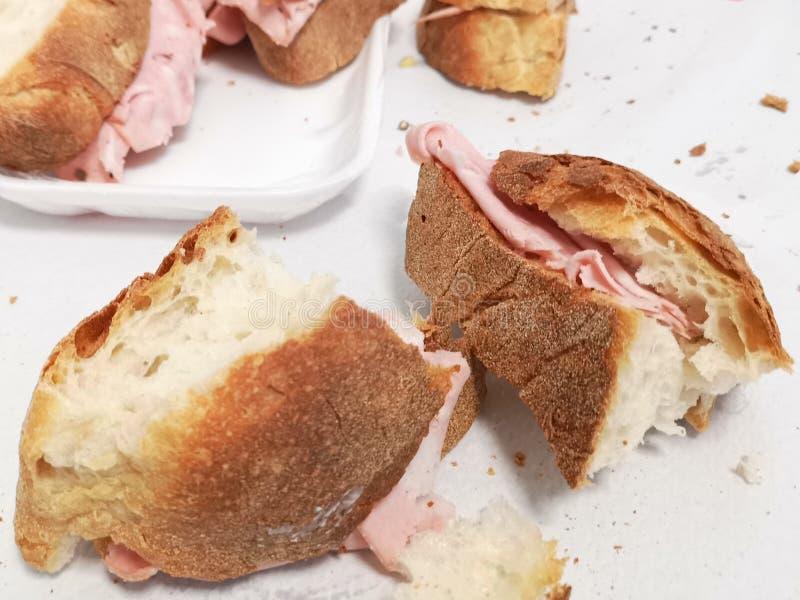 Mortadellasandwich, Italien lizenzfreies stockbild