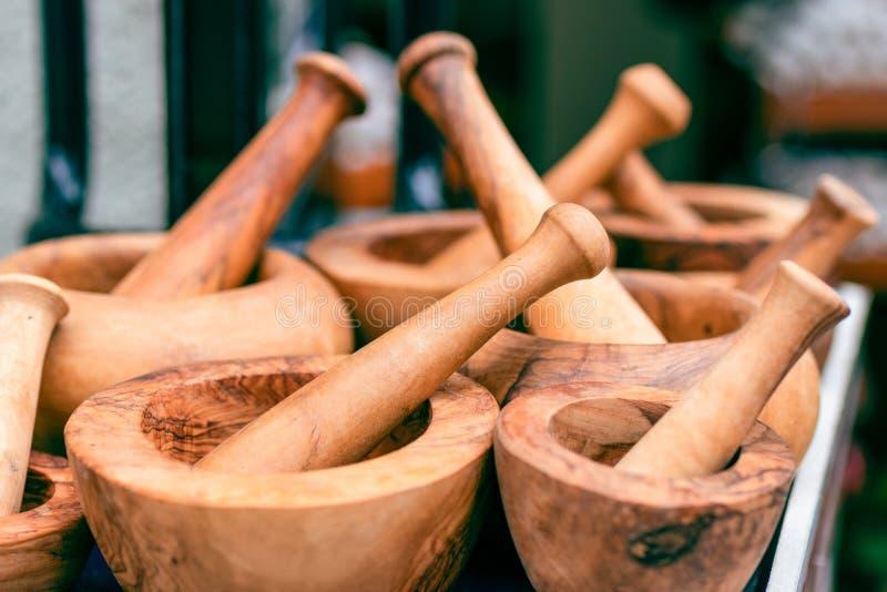 Mortier en bois fabriqué à la main Ustensiles de cuisine Composit en bois de mortier photo libre de droits