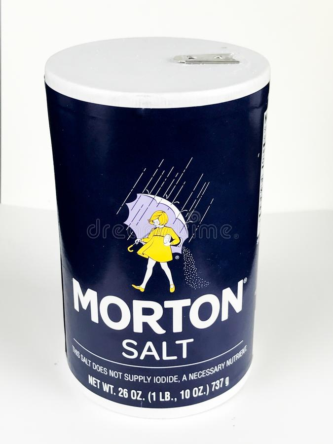 Morton Salt Container auf einem weißen Hintergrund lizenzfreie stockbilder