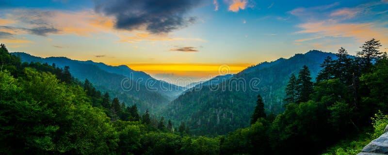 Mortons Overloo, большие закоптелые горы стоковая фотография rf