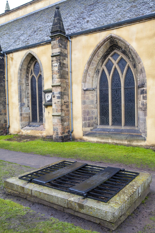 Mortsafe i den Greyfriars kyrkogården arkivfoton