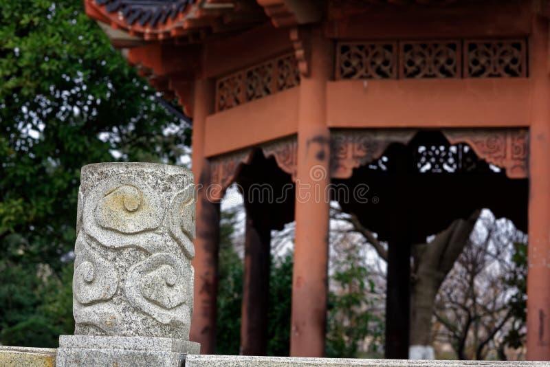 Mory cyzelowania kolumny kamienny widmo zdjęcia royalty free
