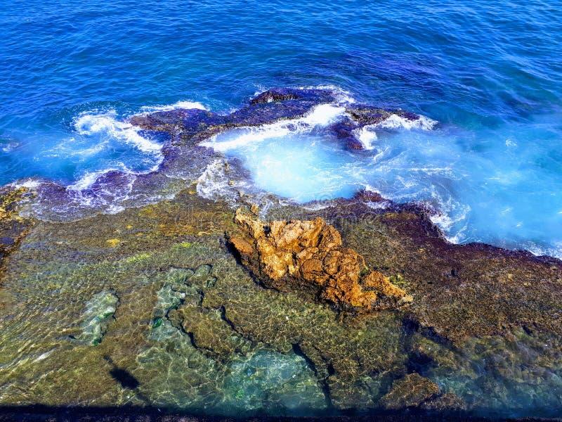 Morza Śródziemnomorskiego wybrzeże fotografia stock