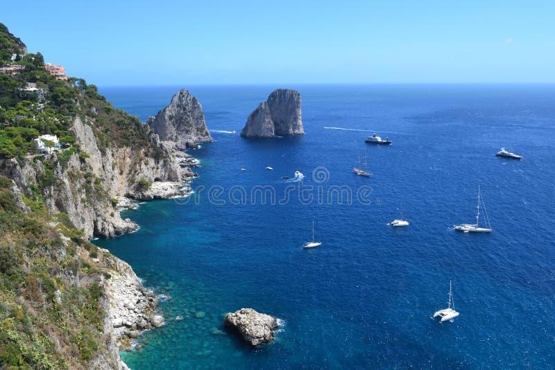 Morze Śródziemnomorskie, Capri ` s morze obrazy royalty free