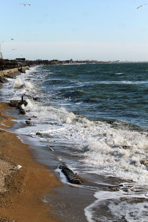 Morze Azov Fala przy zmierzchem Środkowy Europa obraz stock