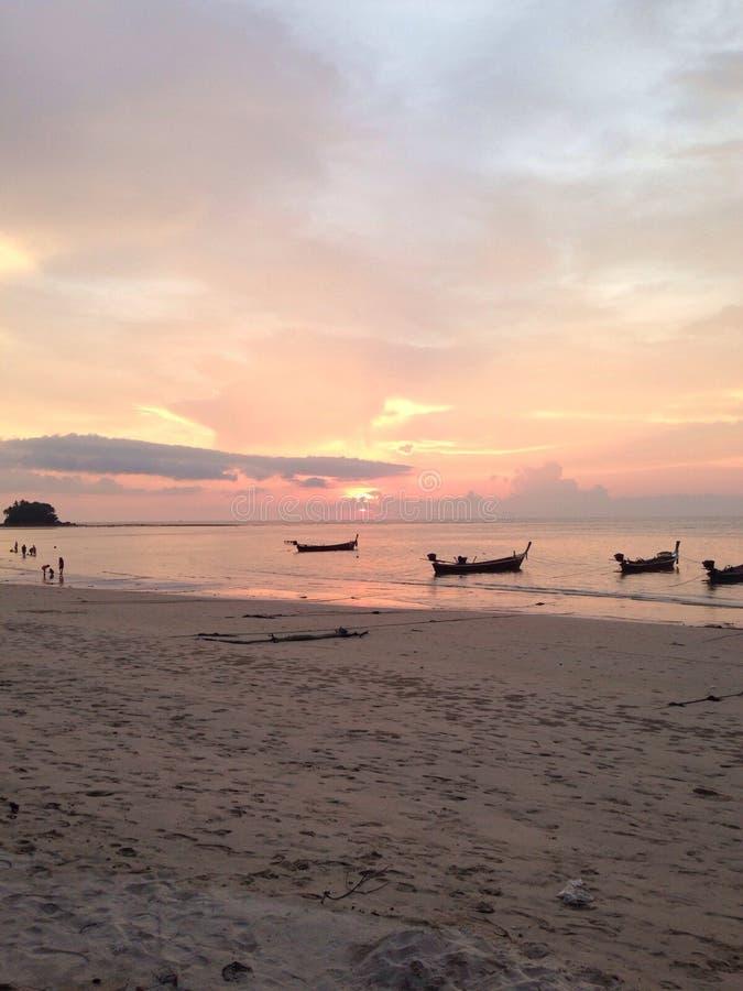 Morze i łódź obraz stock