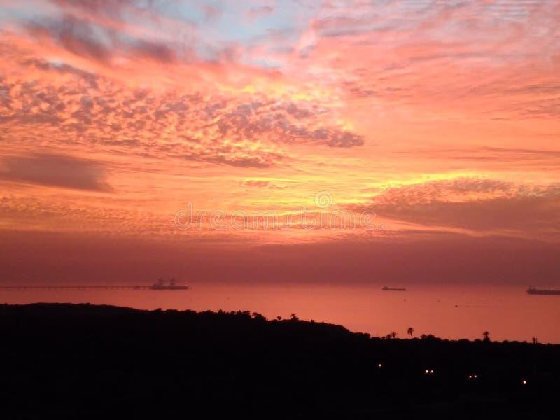 Morze i niebo w pomarańcze obraz stock
