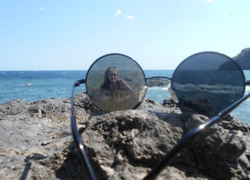 Morze, plaża, woda, ocean, niebo, błękit, wybrzeże, natura, krajobraz, lato, podróż, okulary przeciwsłoneczni, chmury, wyspa, pia zdjęcia stock