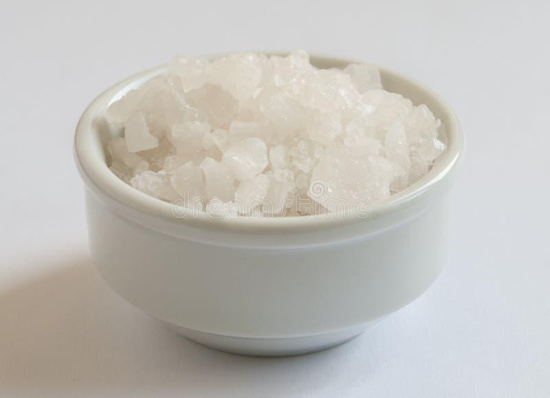 Morze sól w pucharze zdjęcia stock