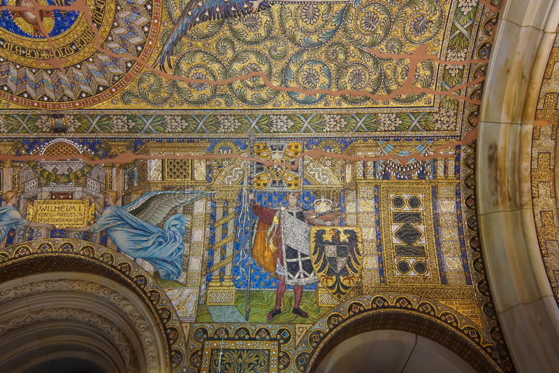 Mosaïque sur le plafond de Kaiser Wilhelm Memorial Church photographie stock libre de droits