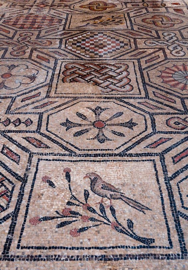 Mosaïques à l'intérieur de Basilica di Aquileia photographie stock libre de droits