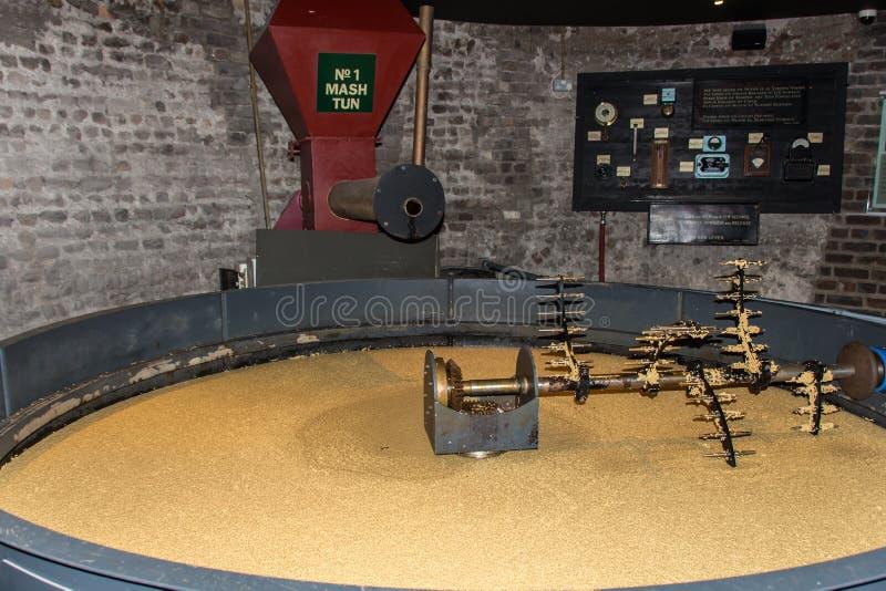 Mosa vänden för att destillera whisky, Dublin, Irland, 2015 royaltyfria bilder