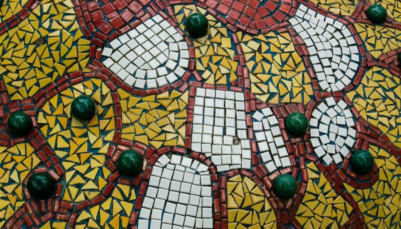 Mosaico colorido que pavimenta textura del fondo fotos de archivo libres de regalías