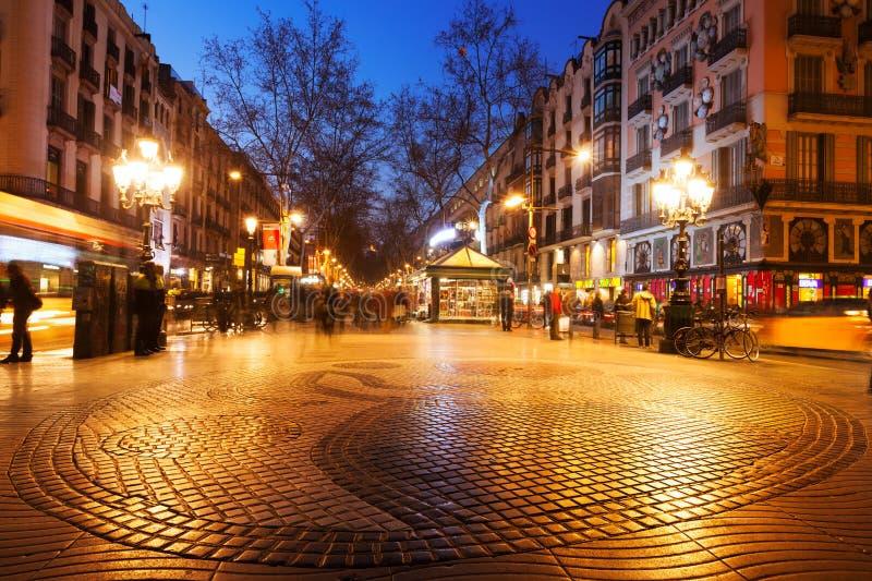 Mosaico della pavimentazione da Joan Miro su La Rambla a Barcellona fotografie stock libere da diritti
