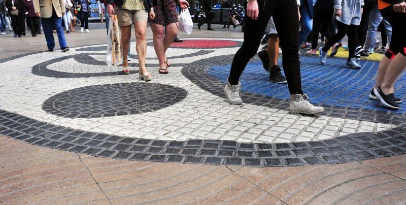 Mosaico di Pla de l'Os in La Rambla a Barcellona, Spagna fotografia stock libera da diritti