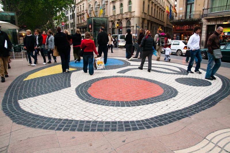 Mosaico do pavimento por Joan Miro, Barcelona foto de stock royalty free