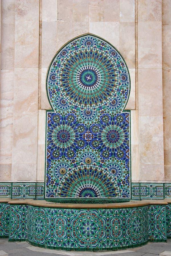 Mosaico e fonte em Casablanca, Marrocos fotos de stock royalty free