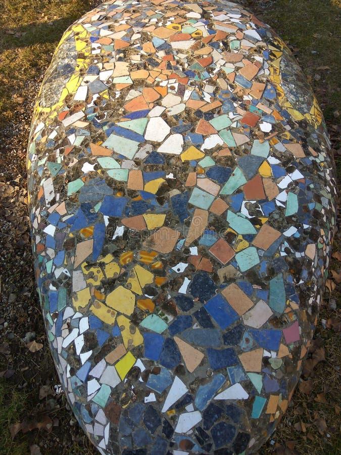 Mosaico-pedra no parque foto de stock