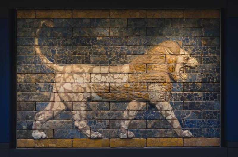 Mosaico persiano del leone fotografia stock libera da diritti