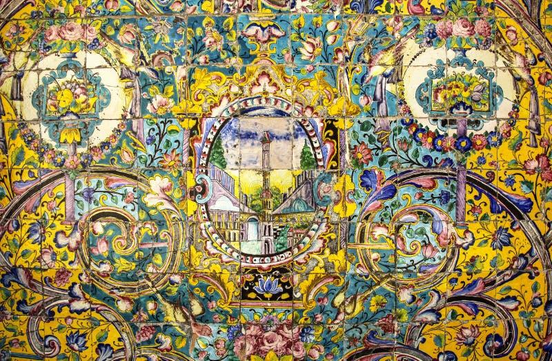 Mosaico variopinto e piastrelle di ceramica nel porcile persiano tradizionale fotografie stock libere da diritti