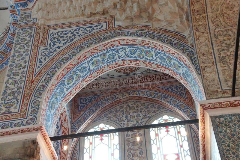 Mosaicos intrincados da mesquita azul imagens de stock
