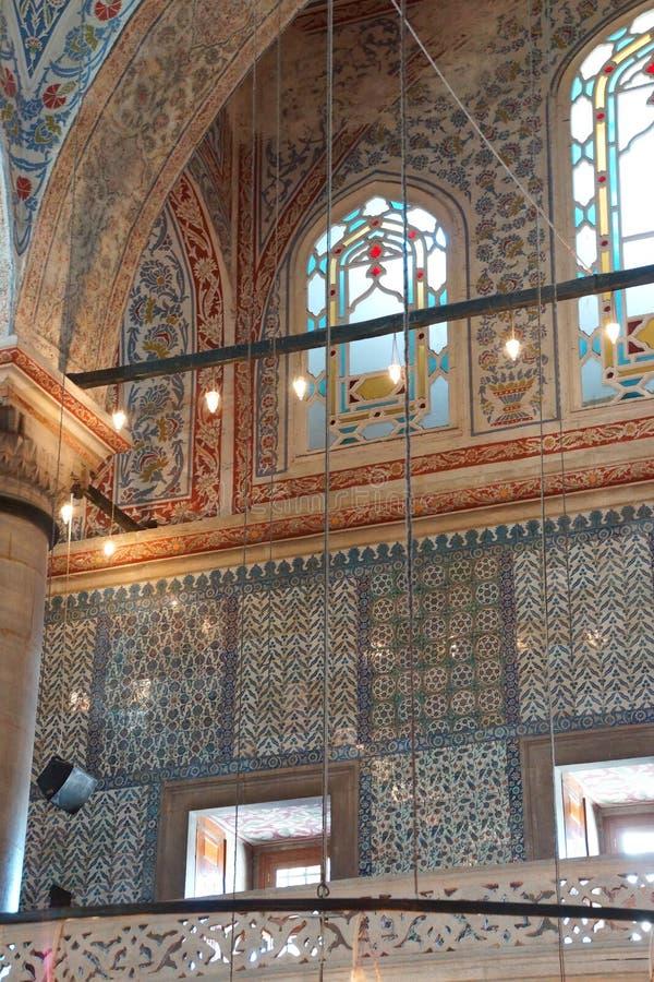 Mosaicos intrincados da mesquita azul imagens de stock royalty free