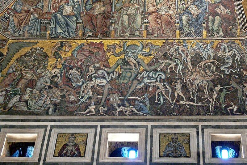 Mosaicos preciosos en el bautisterio de San Giovanni en Florencia, Italia fotografía de archivo