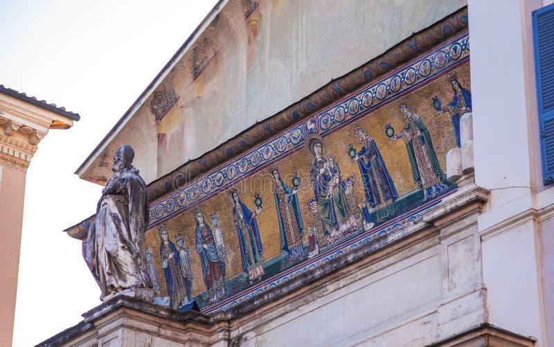 Mosaik av den jungfruliga Maryen med den begynnande Jesus royaltyfria bilder