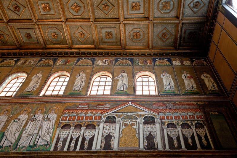 Mosaik av slotten av Theodoric i Sant Apollinare Nuovo royaltyfria bilder