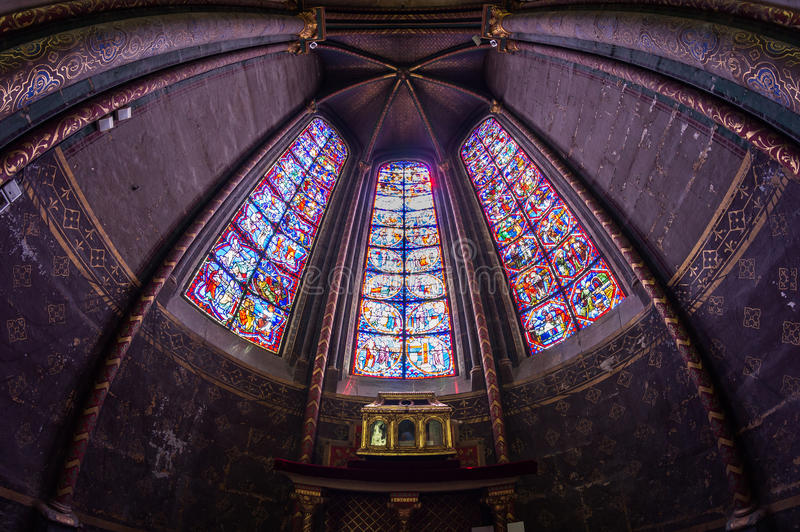 Mosaik in Bourges-Kathedrale stockfoto