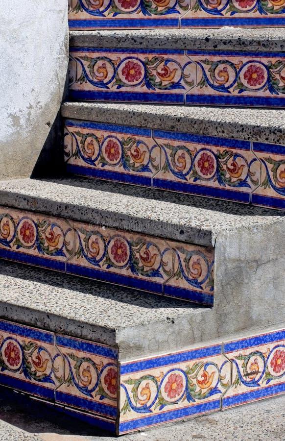 Mosaik deckte Jobstepps in Mazatlan Mexiko mit Ziegeln lizenzfreies stockfoto