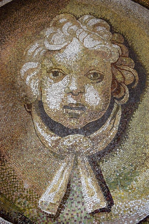 Mosaik på innerväggen av kupolen av basilikan för St Peter ` s, Vaticanen, Rome arkivfoto