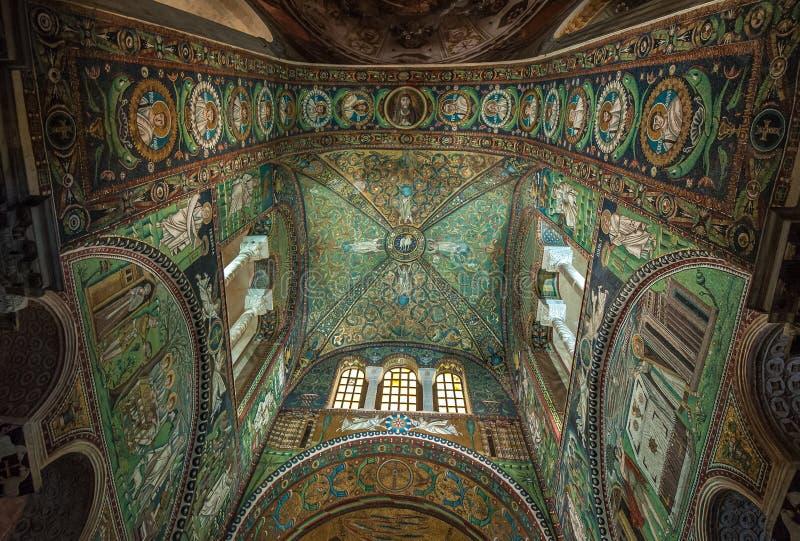 Mosaiker av basilikan av San Vitale, Ravenna, Italien arkivfoto