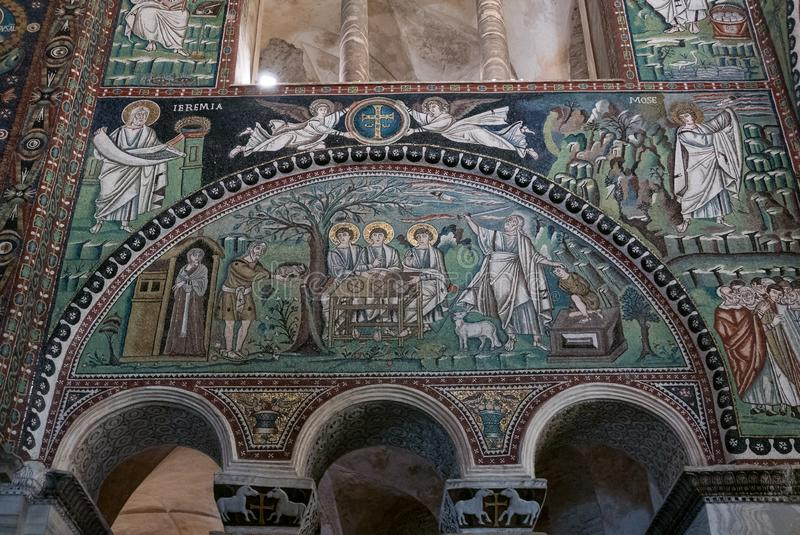 Mosaiker i basilikan av San Vitale i Ravenna royaltyfria foton