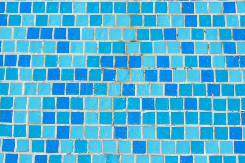 Mosaikfliese im Pool lizenzfreie stockfotografie