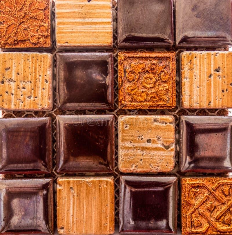 Mosaikfliesenhintergrund in den braun-orange Farben lizenzfreies stockfoto