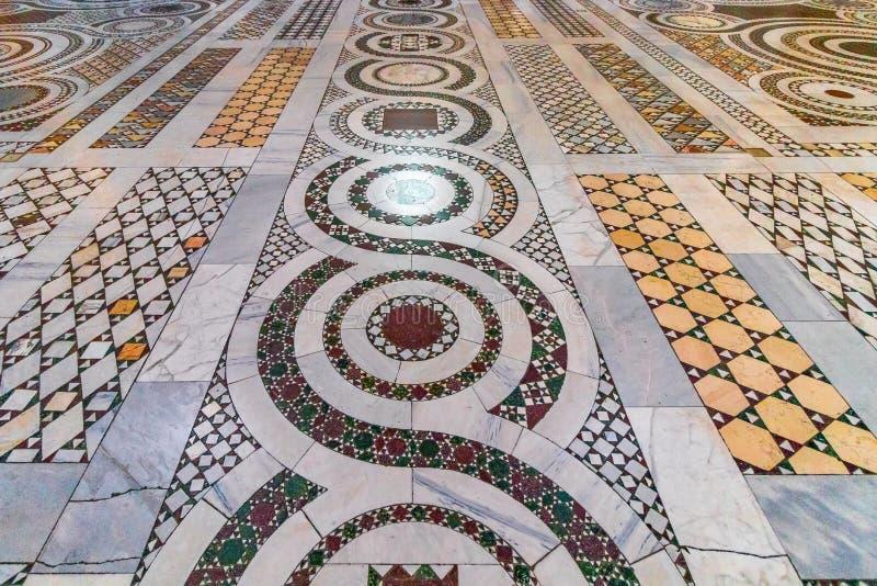 Mosaikfußboden der Basilika von St. Giovanni in Rom-Basilika d lizenzfreie stockbilder