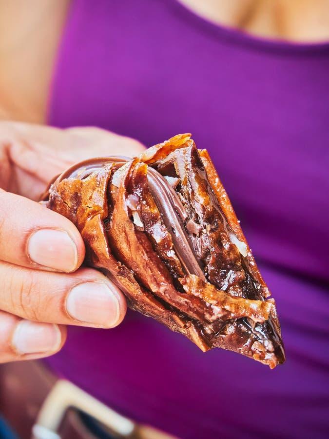 Mosaiko, chocolate griego y galletas dulces fotos de archivo