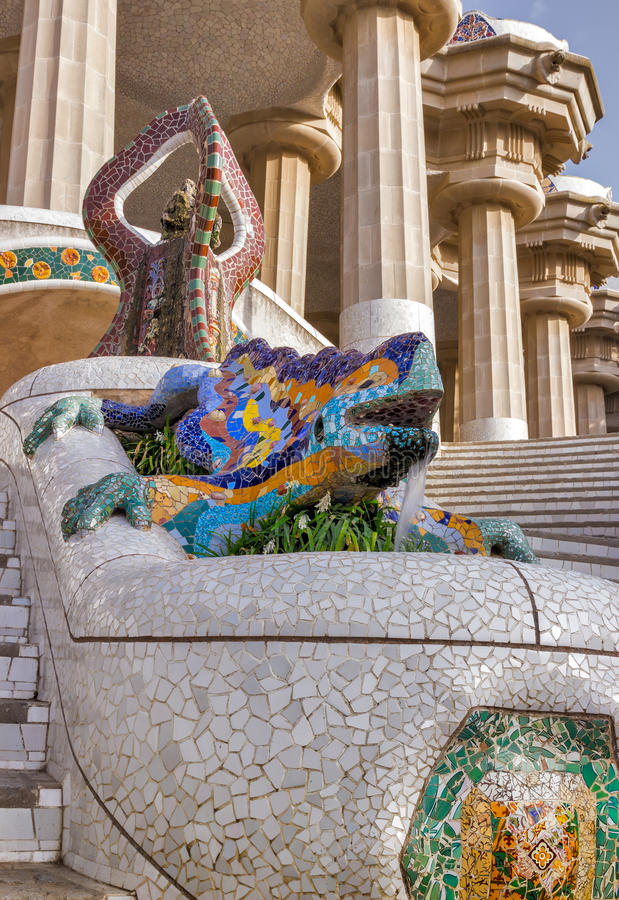 Mosaisk salamander Barcelona Gaudi royaltyfri fotografi