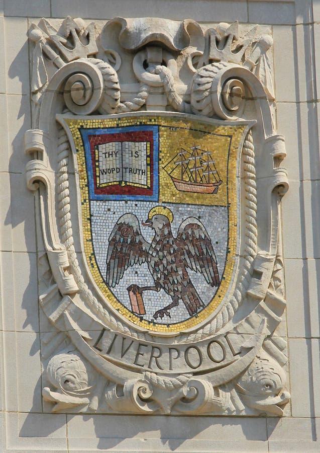 Mosaisk sköld av den berömda hamnstaden Liverpool på fasaden av Förenta staternaLinje-Panama Stillahavs- linjer byggande royaltyfria foton