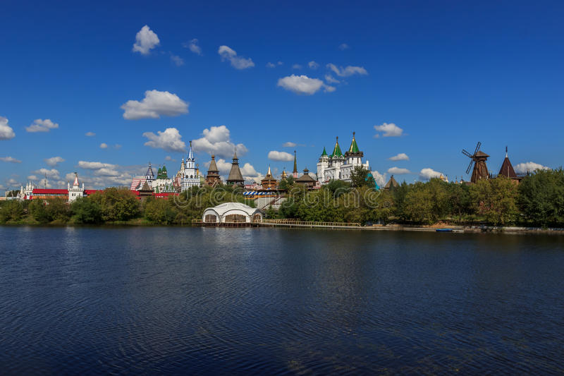 Moscú, el Kremlin en Izmailovo imagenes de archivo