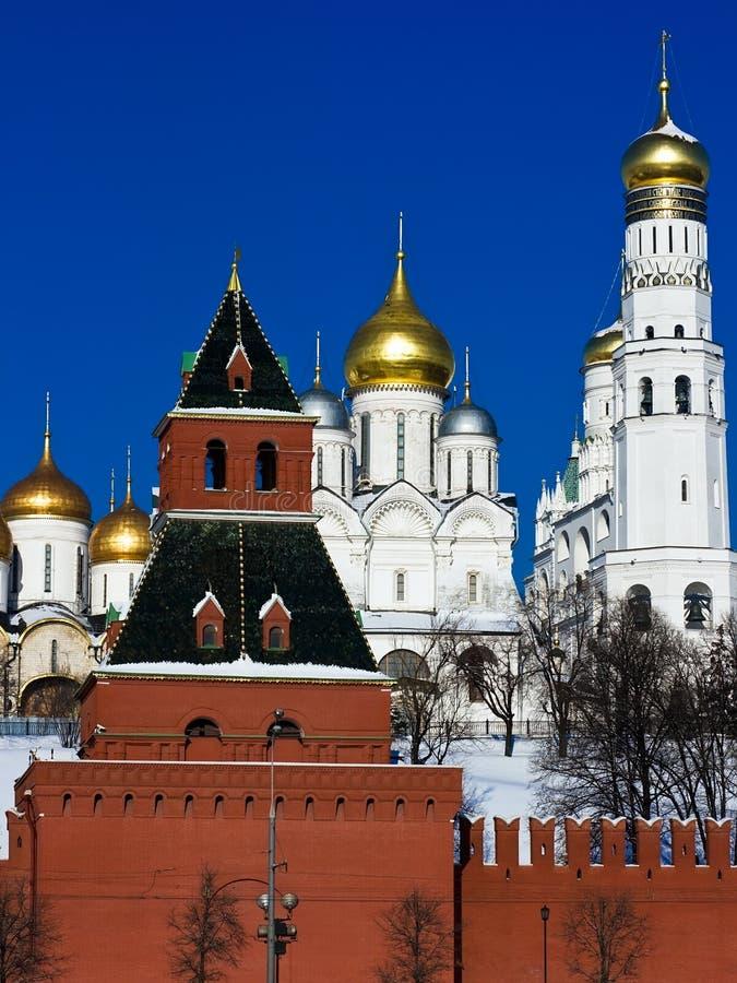 Moscú Kremlin e iglesias imagen de archivo