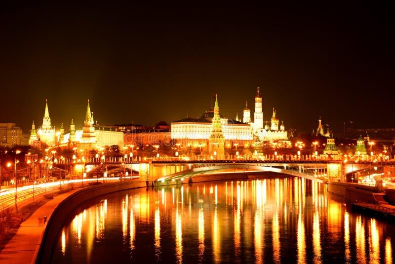 Moscú Kremlin en la noche fotos de archivo