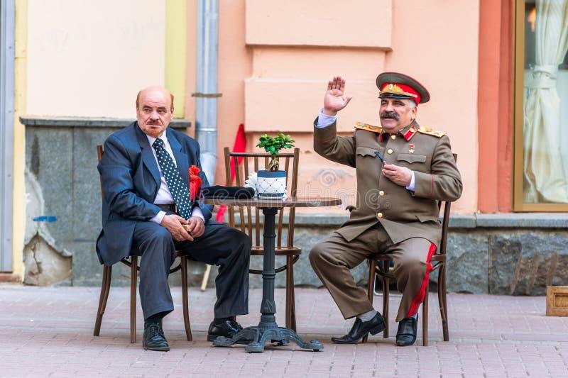 Personificadores de Lenin y de Stalin en Arbat viejo fotografía de archivo libre de regalías