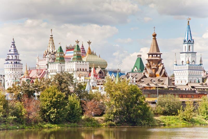 Moscú, Rusia - 19 de agosto de 2012 El Kremlin en Izmailovo, verano del paisaje de Izmailovskiy el Kremlin Histórico único imagen de archivo libre de regalías