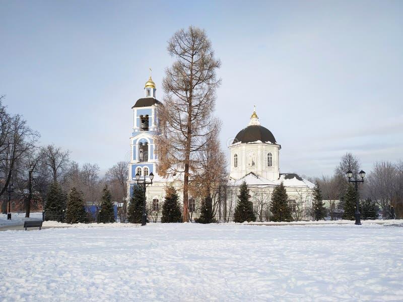 Moscú, Rusia - 17 de diciembre de 2018: Iglesia del icono de la madre de dios en el parque de Tsaritsyno en Moscú en el día de in fotos de archivo libres de regalías