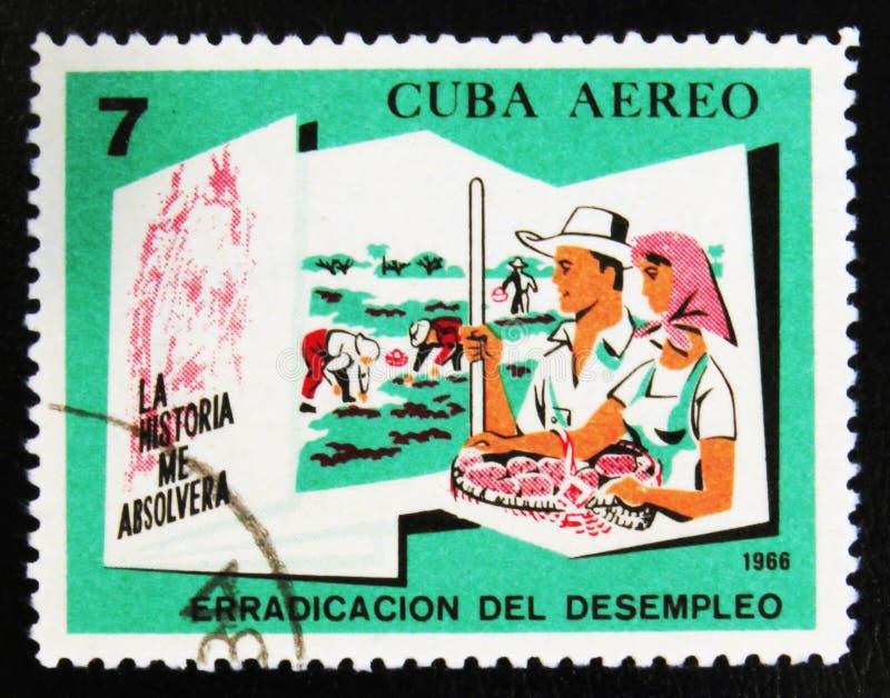 MOSCÚ, RUSIA - 15 DE JULIO DE 2017: Un sello impreso en Cuba muestra el PE fotos de archivo