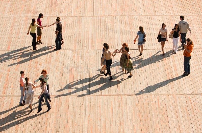 MOSCÚ, RUSIA - 20 DE JUNIO DE 2009: Aire libre de la lección de danza fotos de archivo