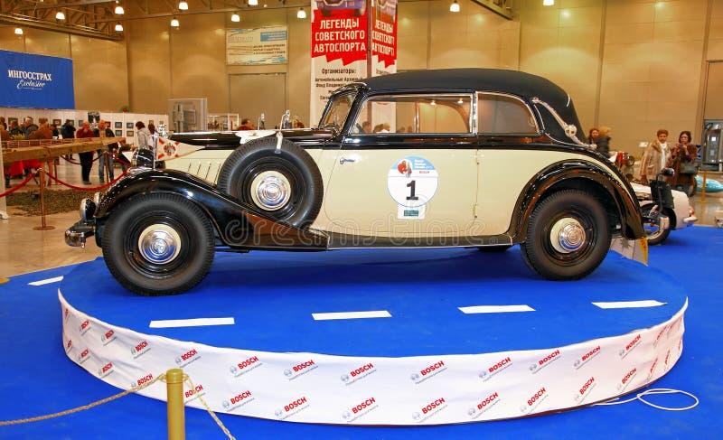 MOSCÚ, RUSIA - 9 DE MARZO: Automóvil retro Horch/Audi en el XXI fotografía de archivo libre de regalías